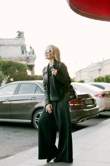 Free Woman Wearing Black Jacket Stock Photography - 110983992