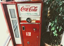 Free Red And White Coca-cola Vending Machine Royalty Free Stock Photography - 110984007