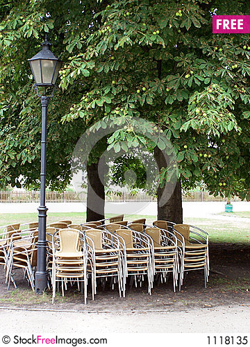 Free Chairs In The Shade Royalty Free Stock Photo - 1118135