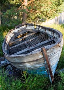 Free Old Boat-2 Royalty Free Stock Images - 1113219