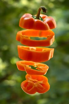 Free Sliced Orange Pepper Stock Photography - 1115592
