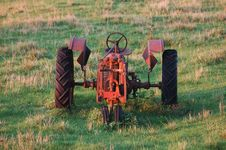Free Old Tractor Royalty Free Stock Images - 1116009