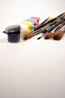 Free Paints And Brushes Royalty Free Stock Image - 1116446