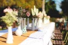 Free White And Beige Table Arrangement Royalty Free Stock Photography - 111070067