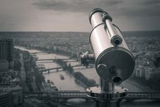 Free Grayscale Photography Of Observation Telescope Overlooking City Riverbank Royalty Free Stock Photography - 111070087