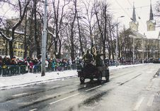 Free Soldiers Riding A Vehicle During A Parade Royalty Free Stock Image - 111070106
