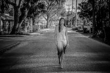 Free Greyscale Photo Of Woman Standing On Street Royalty Free Stock Photo - 111070175
