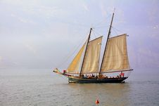 Free Sailing Ship, Tall Ship, Caravel, Schooner Stock Photo - 111111000