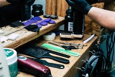 Free Barber S Tool On Table Royalty Free Stock Image - 111169916