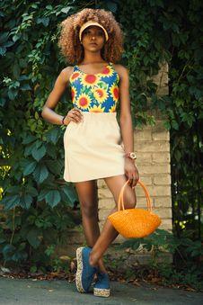 Free Woman Holding Orange Basket Royalty Free Stock Images - 111217259