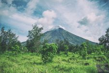Free Landscape Photography Of Mountain Under Cloudy Sky Royalty Free Stock Photo - 111217295
