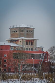 Free Old Factory Building In The Winter Stock Photography - 111288082