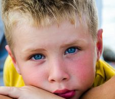 Free Close-Up Photography Of Boy With Blue Eyes Royalty Free Stock Photos - 111364638