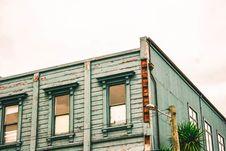 Free Three Windows Of 2-storey Building Royalty Free Stock Photo - 111457345