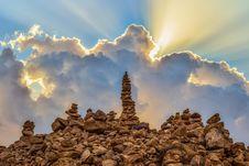 Free Sky, Rock, Cloud, Sunlight Royalty Free Stock Photos - 111487248