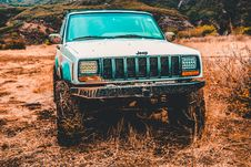 Free Gray Jeep Suv Stock Image - 111545561