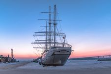 Free White Ship Stock Photos - 111615283