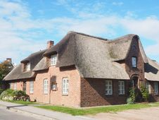 Free Property, House, Roof, Thatching Royalty Free Stock Images - 111643159