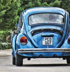 Free Blue Volkswagen Beetle Stock Photo - 111685590