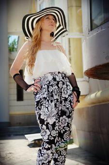 Free White, Shoulder, Fashion Model, Fashion Royalty Free Stock Images - 111719739