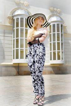 Free Clothing, Fashion Model, Shoulder, Fashion Stock Photo - 111719760