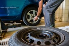 Free Tire, Motor Vehicle, Wheel, Automotive Tire Stock Photos - 111720003