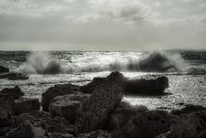 Free Sea, Wave, Ocean, Shore Royalty Free Stock Photography - 111720017
