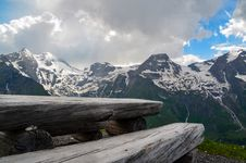 Free Low Angle View Of Mountain Covered By Snow Royalty Free Stock Photos - 111824078