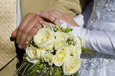 Free Wedding Bouquet In The Hands Of The Bride And Groo Stock Images - 11190904