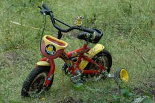 Free Yellow, Motor Vehicle, Off Roading, Grass Stock Images - 112045954