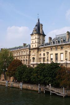 Free La Seine Shore Stock Photography - 11217442