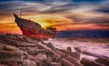 Free Sky, Shipwreck, Shore, Sunrise Royalty Free Stock Photography - 112121557