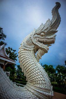 Free White Dragon Statue Royalty Free Stock Photo - 112184625