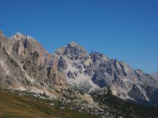 Free Mountainous Landforms, Mountain, Mountain Range, Ridge Stock Photos - 112278383