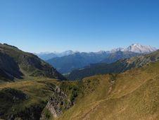 Free Mountainous Landforms, Highland, Mountain, Mountain Range Royalty Free Stock Images - 112278569