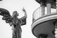 Free Shallow Focus Architectural Photography Of Angel Statue Stock Image - 112301531