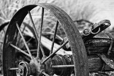 Free Rusted Wheel Grayscale Photo Stock Photography - 112301662