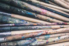 Free Pile Of Paint Brush Royalty Free Stock Photos - 112454978