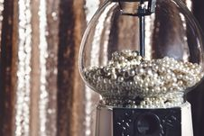 Free Close-up Photography Of Clear Glass Candy Dispenser Royalty Free Stock Photo - 112455055