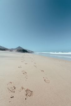 Free Footprints In The Sand Royalty Free Stock Photos - 112455238