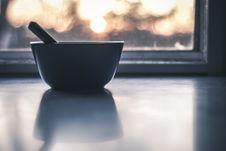Free Focused Photography Of Blue Ceramic Bowl Stock Photos - 112738763