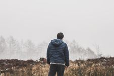 Free Man Wearing Blue Bubble Hooded Jacket Royalty Free Stock Images - 112878149
