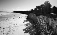 Free Grayscale Photo Of Mountain Cliff Near Ocean Stock Images - 112878154