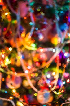 Free Blurred Christmas Tree Garland Royalty Free Stock Photography - 112969407