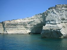 Free White Rock Above Blue Sea Royalty Free Stock Photos - 1131418
