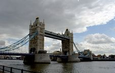 Free Tower Bridge With Clouds Royalty Free Stock Photo - 1131795