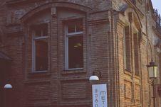 Free Brown Stone Brick Building Near Black Lamp Post Stock Image - 113035911