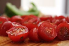 Free Close-Up Photography Of Slices Of Cherry Tomatoes Stock Photos - 113035953