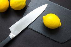 Free Photography Of Lemon Near Kitchen Knife Royalty Free Stock Photo - 113036015