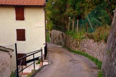 Free Wall, Village, Tree, House Royalty Free Stock Photography - 113066127